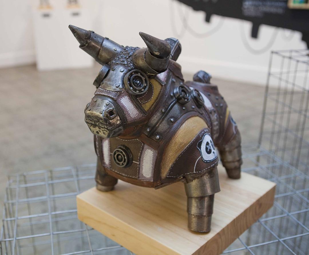 dieselpunk mech sculpture